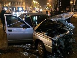 Патрульні Дніпра застосували зброю, затримуючи викрадача авто