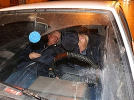 На Слобожанском проспекте пьяный водитель заснул прямо на ходу